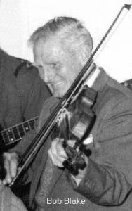 Bob Blake playing the fiddle at the Horsham Songswappers.